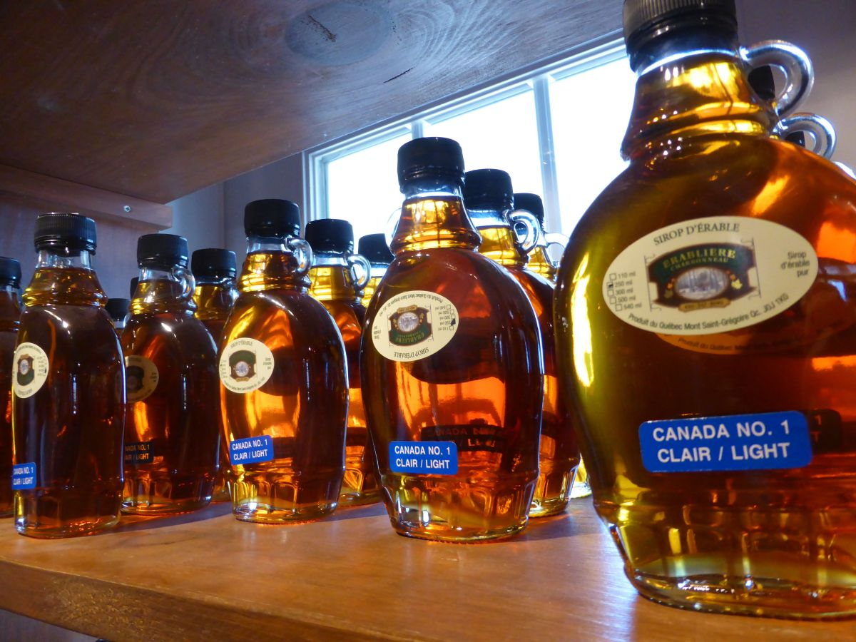 maple syrup in bottles