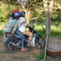 Bagan - Ladies on scooter