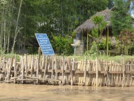 restaurant on the lake