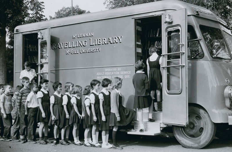 Students of St. Francis School in Richmond lining up at McGill's McLennan Travelling Library