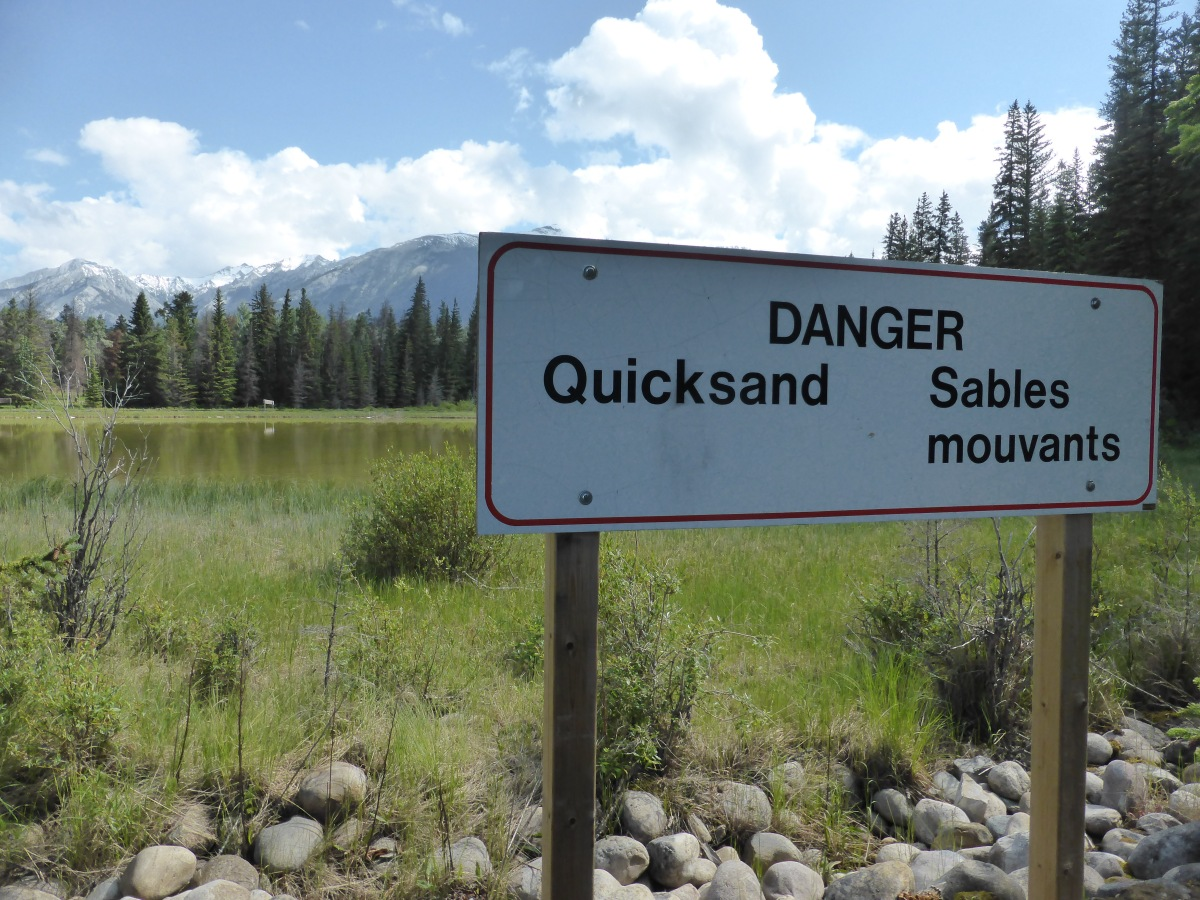 sign: Quicksand/Sable mouvante